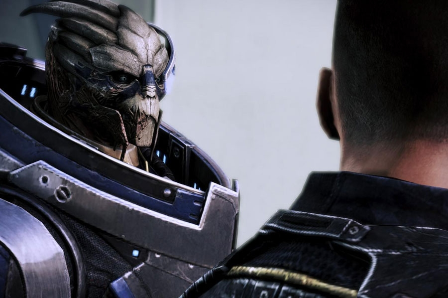 Garrus chats with his friend and fellow soldier.